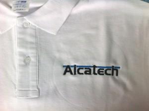 Polo de trabajo bordado Alcatech