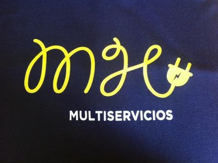Serigrafía de los uniformes de trabajo de M&H Multiservicios.