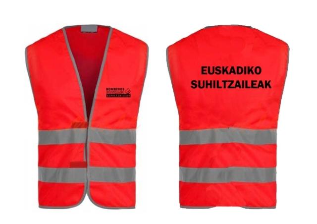 Chalecos rojos con texto Euskadiko Suhiltzaileak para los bomberos de Euskadi